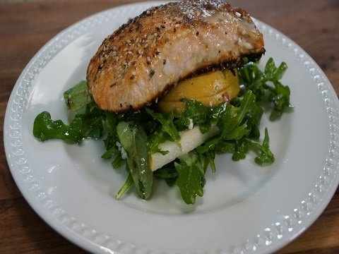 SIMPLE SALMON WITH PEAR & GORGONZOLA SALAD