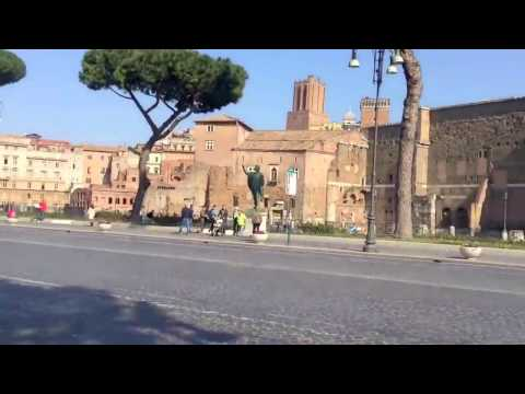 Street artists in Roma