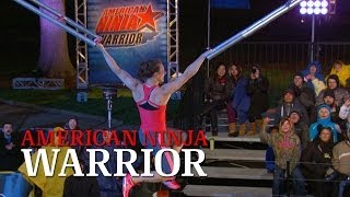 Michelle Warnky at the 2014 St. Louis Qualifiers | American Ninja Warrior