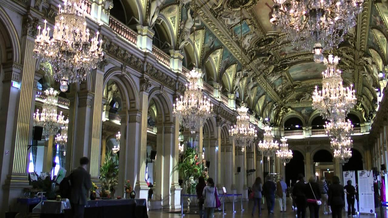 Hotel de ville de paris youtube for Hotel des bains paris 14e