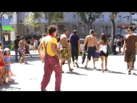 Clown Durilov   vol 1   Barcelona street laugh attack Documentary Movie 西班牙街头小丑