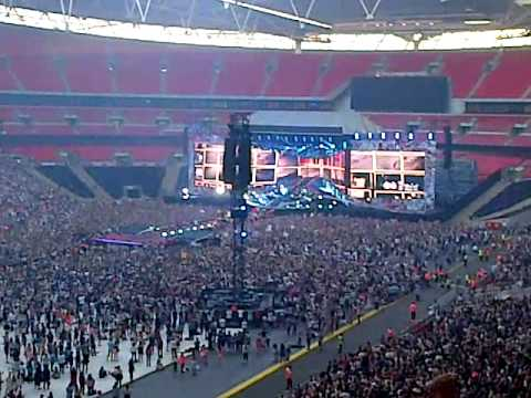 one direction wembley stadium donmt forget where you belong block 208 row 13