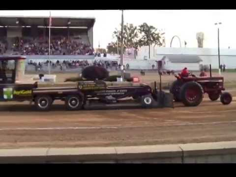 Tractor Pulling Ashland County Fair Ohio 09-19-2014  M. Mark