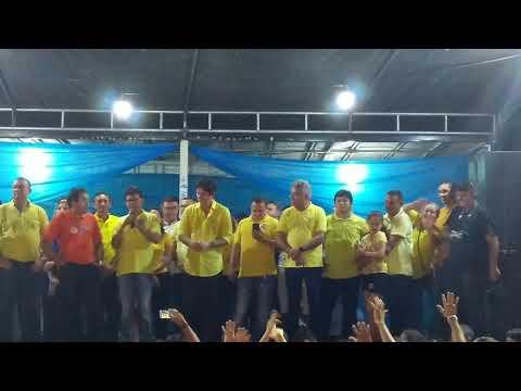 Juninho Alves, mostra sua liderança e arrasta multidão pelas ruas de Caraúbas (RN), em megacomício