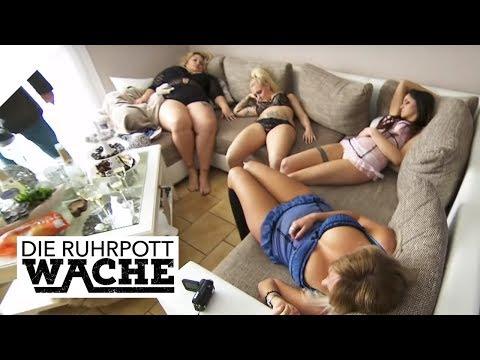 Fünf halbnackte Frauen bewusstlos: Dessous-Party mal anders! | Die Ruhrpottwache | SAT.1 TV
