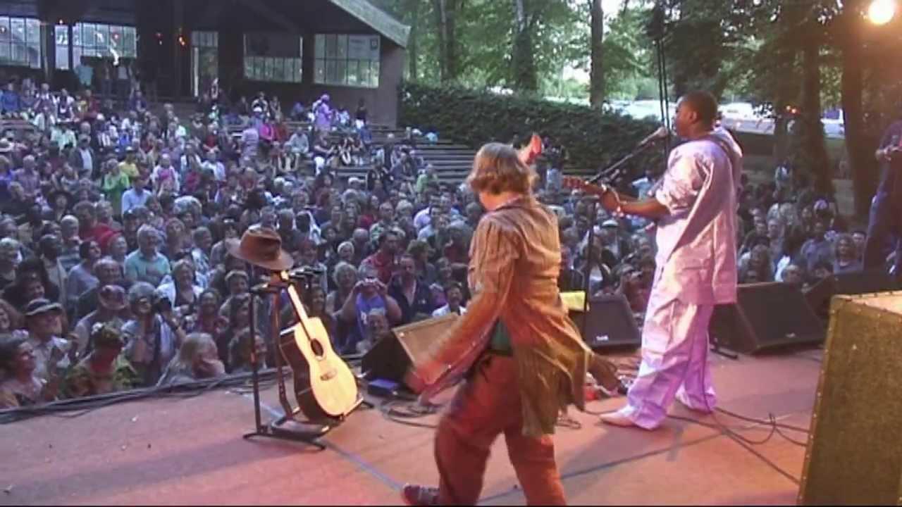 afh33-vieux-farka-toure-afrikafestival-hertme