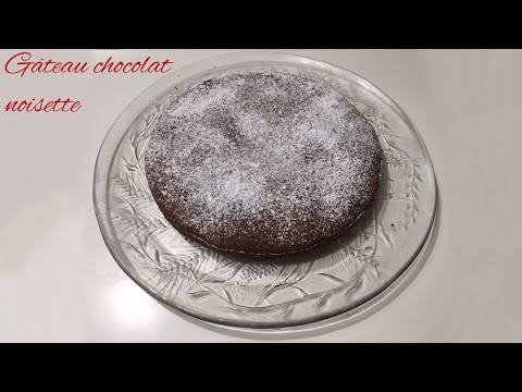recette-d'un-gâteau-moelleux-chocolat-noisettes-pour-pâques-!