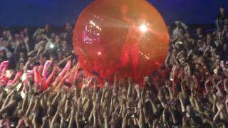 Twenty One Pilots- Guns for Hands [feat Hamster Ball] (Perth Arena, 08/04/17)