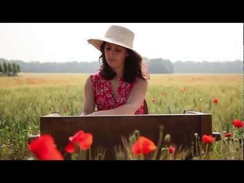 Mort de France Gall : Julien Clerc rend hommage à son amour de jeunesse sur scènede YouTube · Durée:  3 minutes 4 secondes
