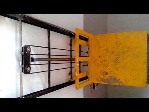 HYDRAULIC GOODS LIFT - SINGLE MAST/45 Feet