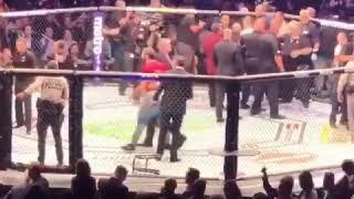 Conor McGregor ( Конор  Макгрегор) ДРАКА после боя с Хабибом лучший ракурс