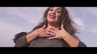 Blanco y Negro - Y Me Volví A Enamorar (Video Oficial)