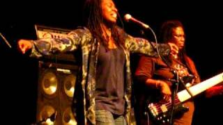 "Ruthie Foster Sings ""Phenomenal Woman"" LIVE in Anchorage"