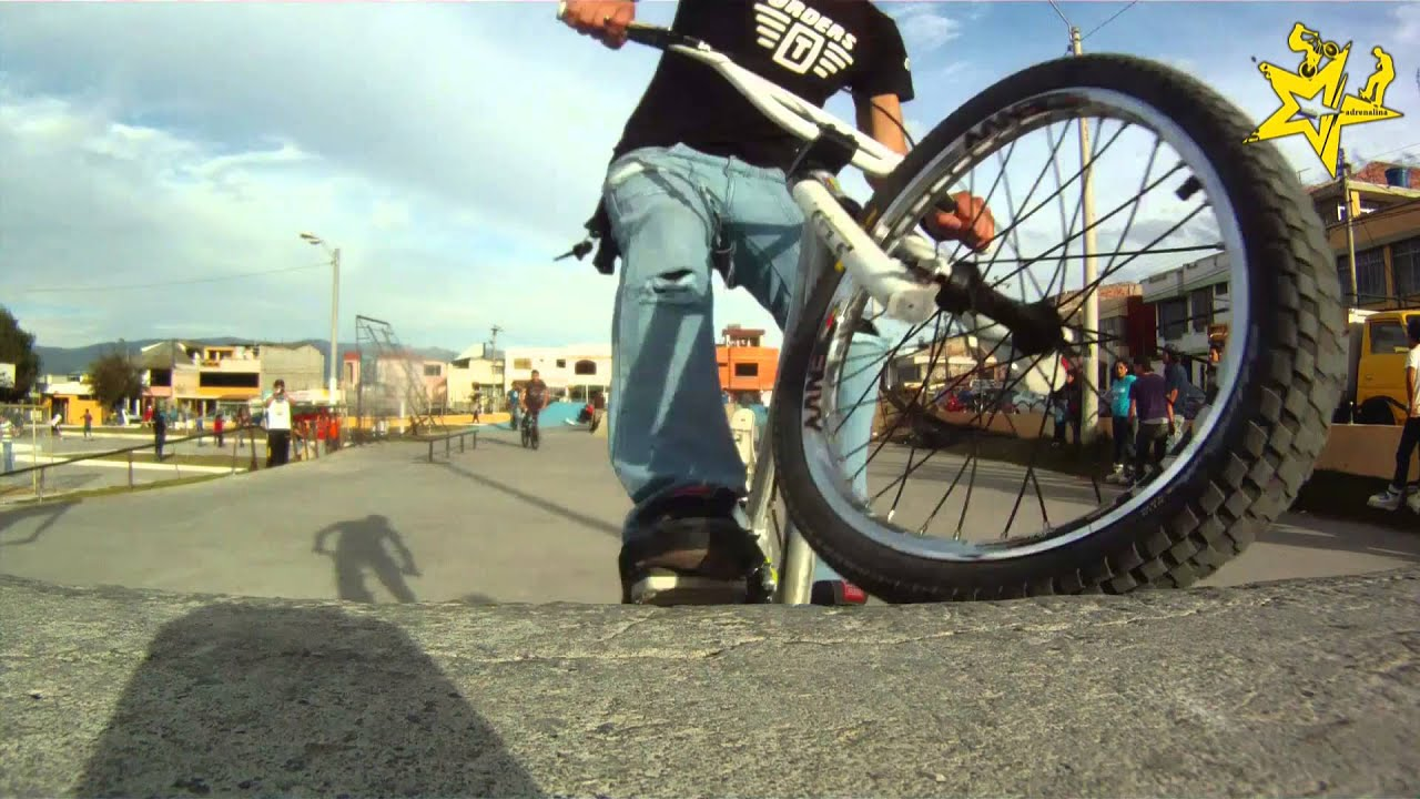 Street Bike Girl Wallpapers Adrenalinambato Skate Bmx Rollers Parque La