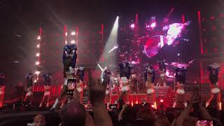Queen and Adam Lambert ~ Fat Bottomed Girls with Dallas Cowboy Cheerleaders 23/7/2019