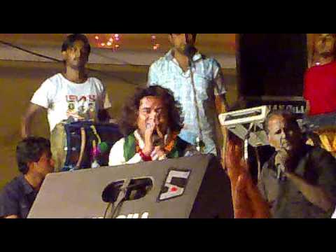 Vicky Badshah Mainu Kuttean Ch Rakhla