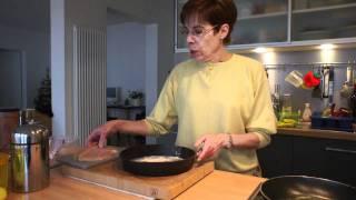 Leda Cucina - How to prepare chicken breast in white wine sauce (Scaloppine di pollo al vino bianco)