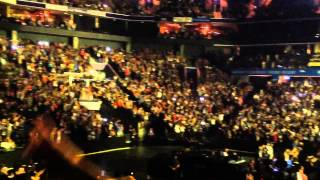 SAM SMITH - (STAY WITH ME) LIVE IN CHARLOTTE, NORTH CAROLINA 2015. http://youtu.be/4Byay8widWQ