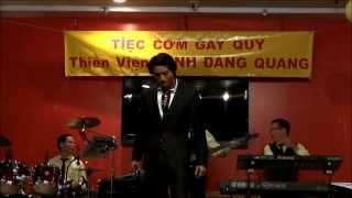 """Đan Nguyên với 2 bài hát """"Việt Nam Tôi Đâu"""" và """"Anh Là Ai"""" tác giả Việt Khang"""