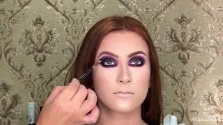 Makeup preto com glitter Tati Bueno