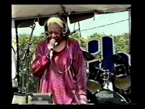 Bonnie Lee - Chicago Blues Festival (1999) Part 1