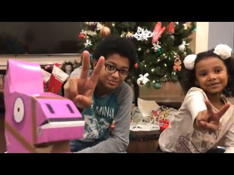 fortnite-llama-loot-piñata-toys-&-games-unboxing