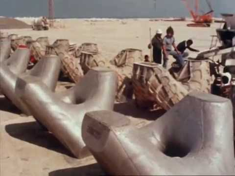 Mina Jebel Ali construction 1976