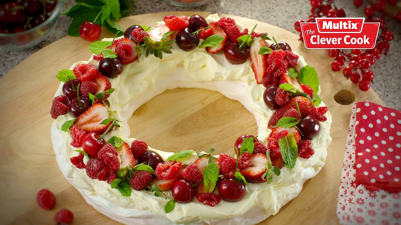 Christmas Pavlova wreath - YouTube