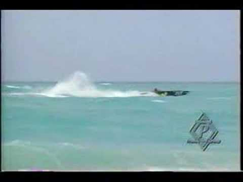 Powerboat Racing in 7 - 8 ft seas Rough Water Jumps Offshore