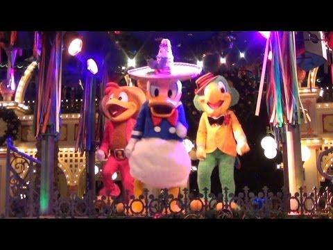Viva Navidad Street Party at Disney California Adventure w/ Mickey, Minnie, Three Cabelleros!