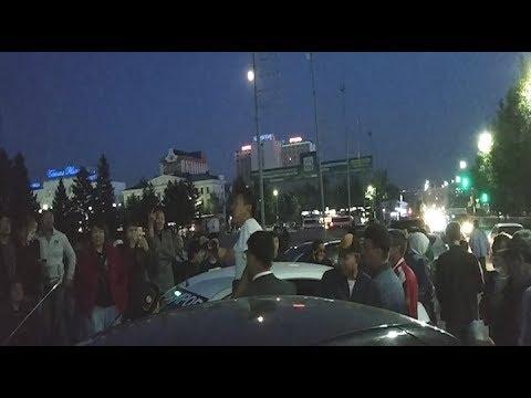 Стихийный митинг на площади Советов в Улан-Удэ продолжается второй день