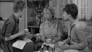 Helen and Thelma Lou describing Gomer