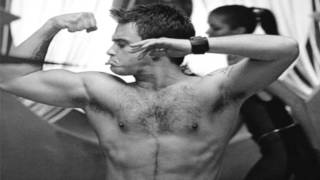 Robbie Williams - Strong Lyrics HD