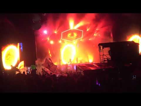 Odesza live - Loyal - With full Drumline - Hulaween 2018