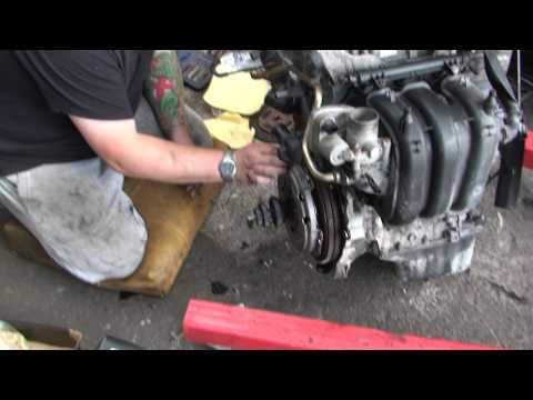 bodgit and leggit garage seat ibiza preparing engine (part 3)