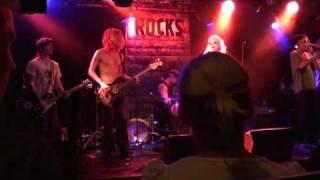 Fast Elephant - Mean Machine@On The Rocks 14.9.2010