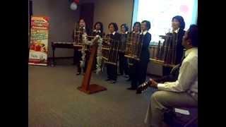 Dari Pulau dan Benua dengan musik Angklung dan Kolintang, Natal CLF, 13 Des 2012, Jakarta