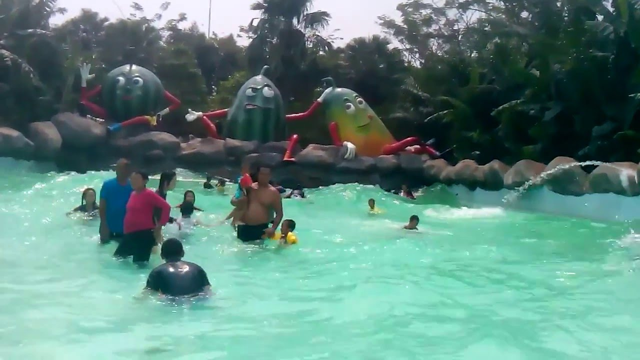 Kolam Ombak Water Kingdom Mekar Sari Cileungsi Di Wave Pool Youtube Voucher Tiket Masuk Waterkingdom Mekarsari Premium