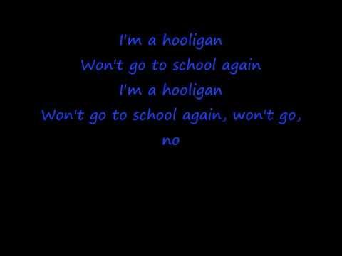 Kiss Hooligan Lyrics