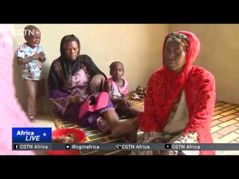 Thousands of Gambians flee into Senegal over fears of violence