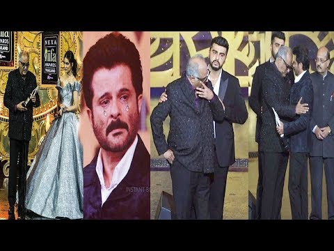 IIFA Awards 2018: Boney Kapoor Breaks Down In Front Of Arjun & Anil Kapoor As Sridevi Gets Award