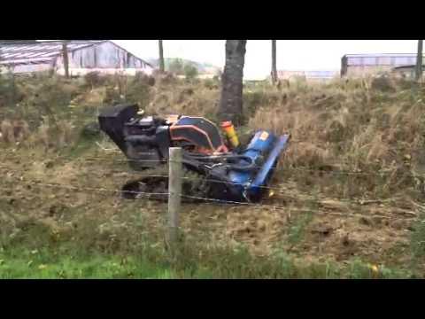 Robot mower helps flood defence / Robot torri gwair yn helpu amddiffyn rhag llifogydd