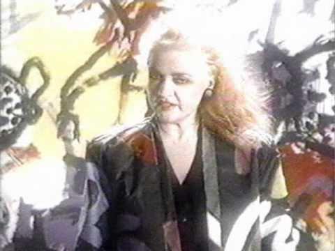 MarieDenise Pelletier  En Courant  LE CLIP 1986