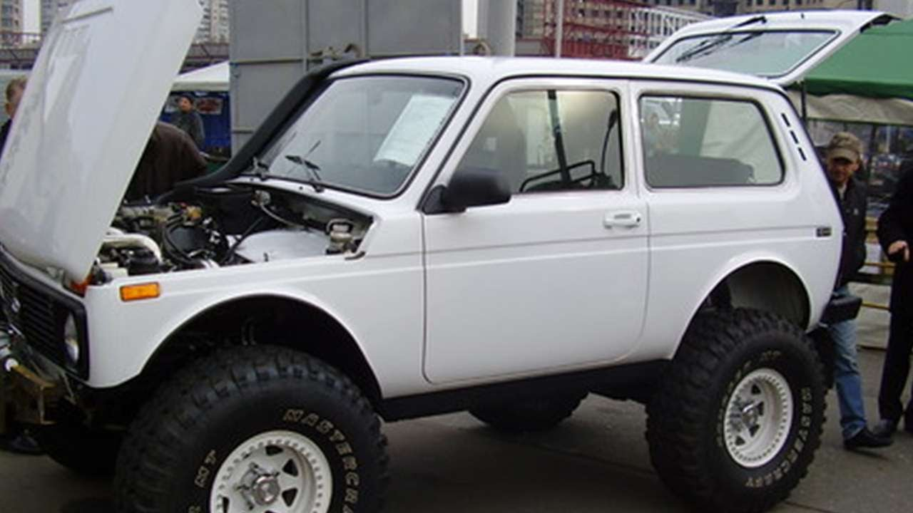 1630 lada niva 4x4 21213 tuning russian cars youtube. Black Bedroom Furniture Sets. Home Design Ideas