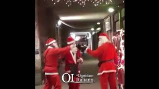 Bari, Babbi Natale litigano in via Capruzzi