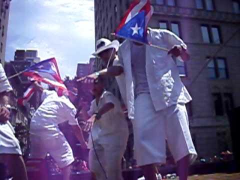 Puerto Rican Day Parade NYC: Alexito El Super Happy