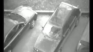 вскрыли машину пока стоял на балконе.вначале проход ,а потом на 1:39 возвращается