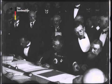 Подписание первого мирного договора Первой Мировой Войны. 9 февраля 1918.