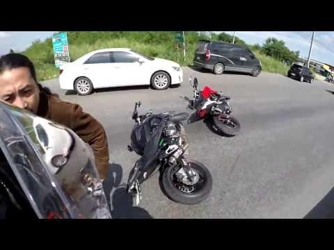 Kawasaki Z800 vs Ducati Hyperstrada