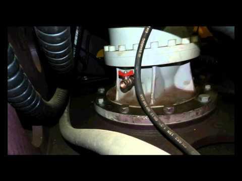 12. Порядок замены масла редуктора поворотной платформы на экскаваторе ЧЕТРА ЭГП-230